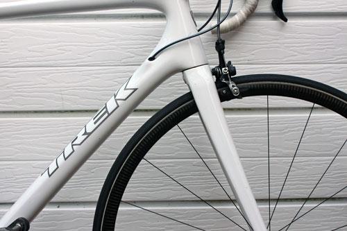 trek-madonne-front-wheel