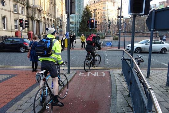 cyclists-path