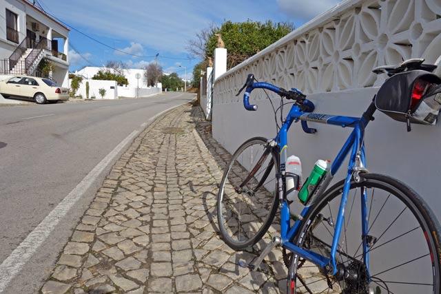 bike-on-road
