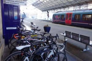 huddersfield-bike-rack-station