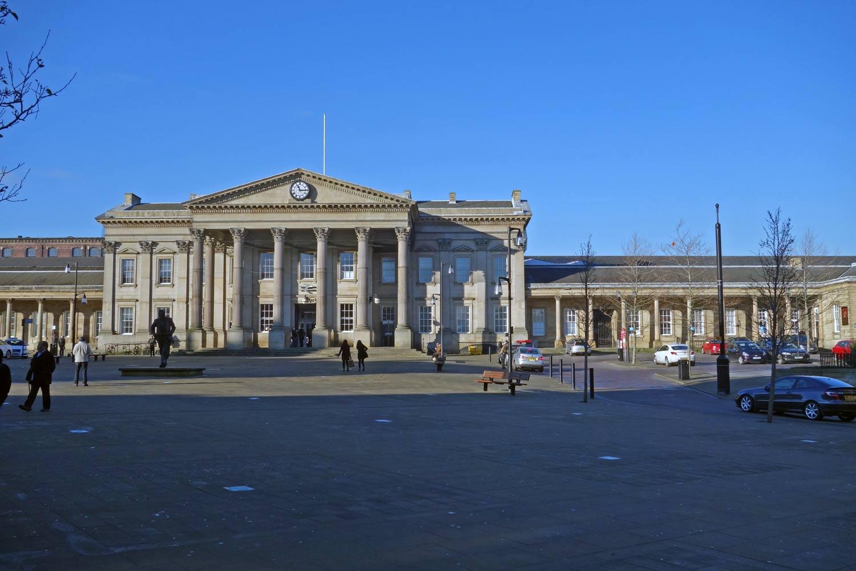 huddersfield-train-station-outside
