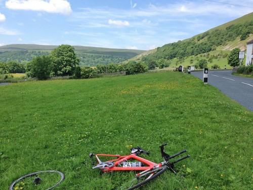 bike-side-road-buckeden-500x375