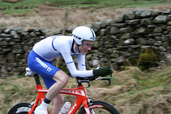 Photo: Bob Muir - Note to self- must buy aero gloves/ aero socks.