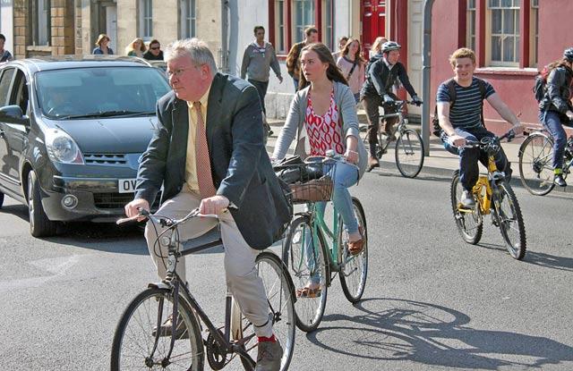 3-cyclists-high-st