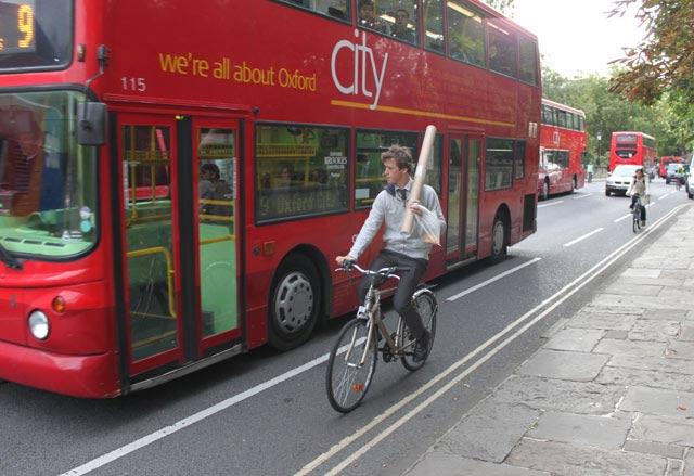 bus-poster-hit