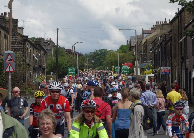 crowds-silsden-small