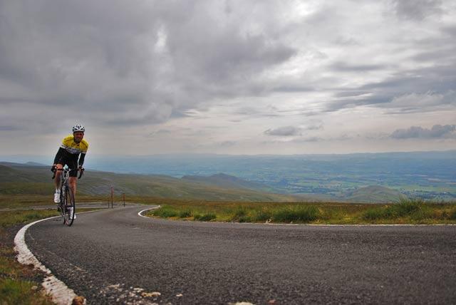 cycling-great-dun-fell