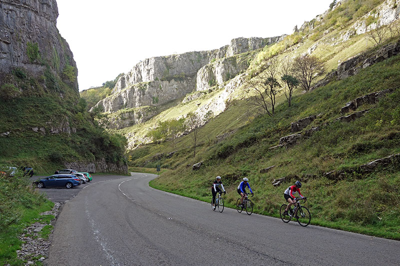cheddar-gorge-cyclists