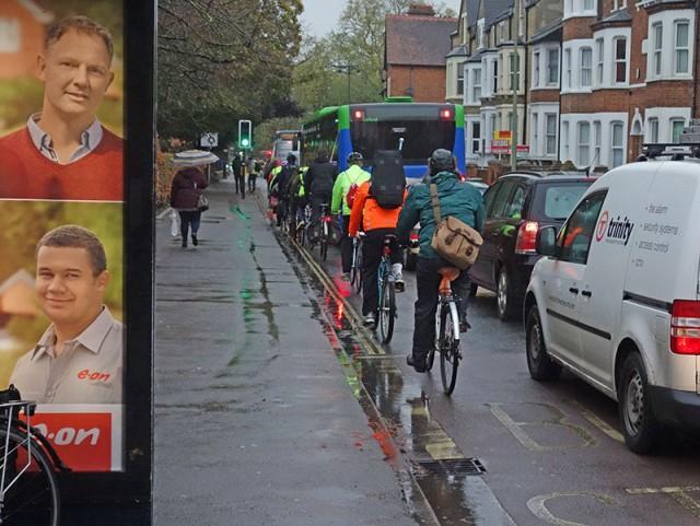 eon-advert-cyclists