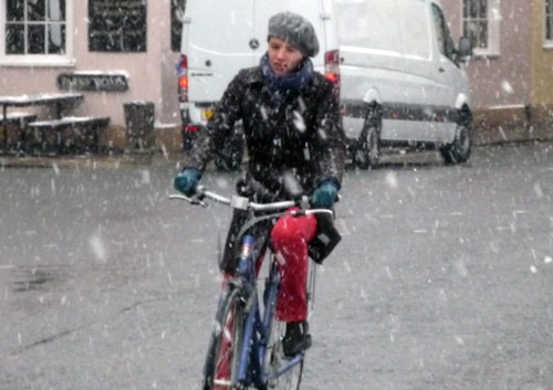 cycling-snow