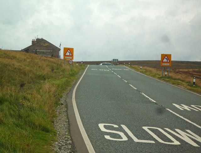 pub-at-top Cat and Fiddle