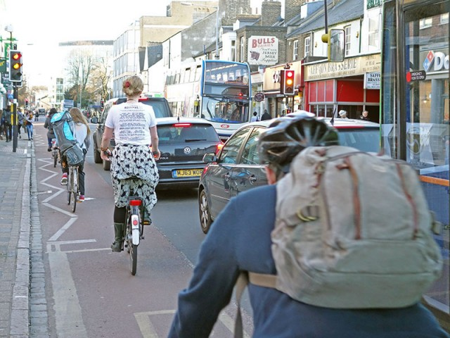 cyclists-lane