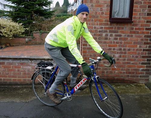 wearing-dhb-jacket-commuting-bike