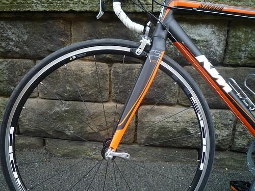 ktm-strada-1000-f-wheel