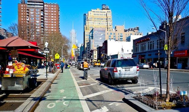 manhatten-cycle-lane-cityclock