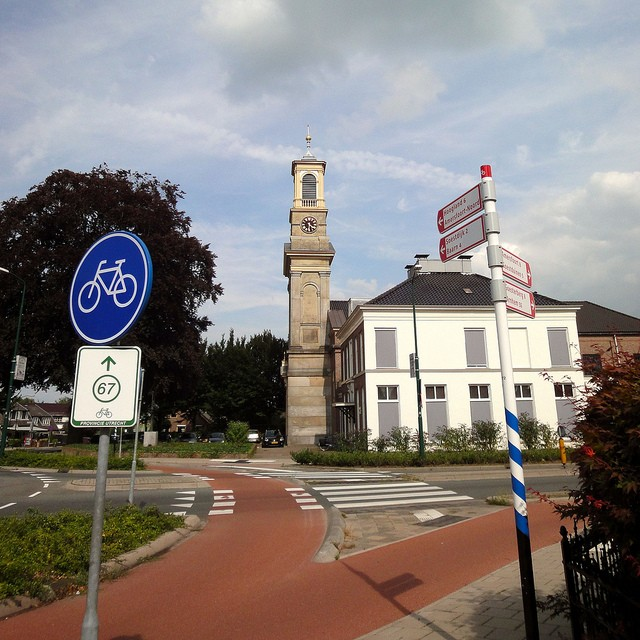 dutch cycling path