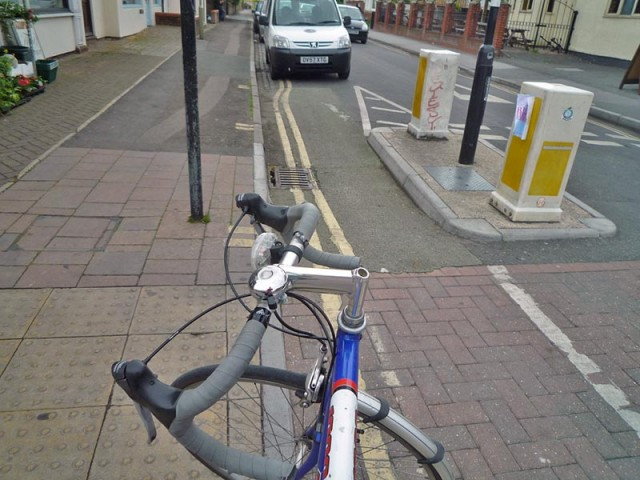 car-parked-end-of-short-cycle-path