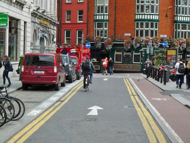 counter-flow-cycle-path