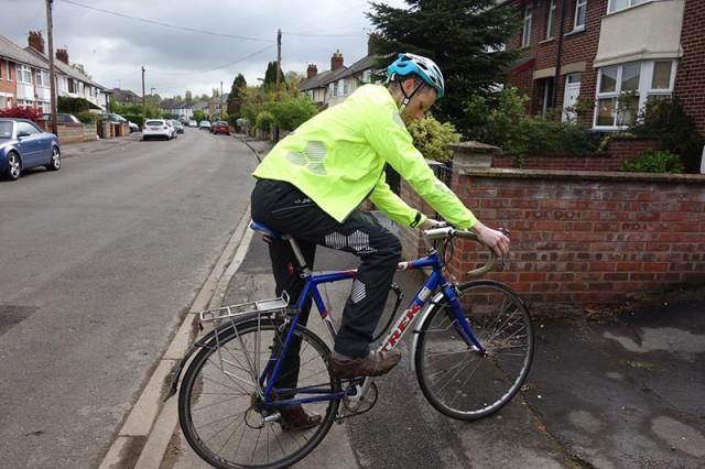 waterproof-trousers-on-commuting-bike
