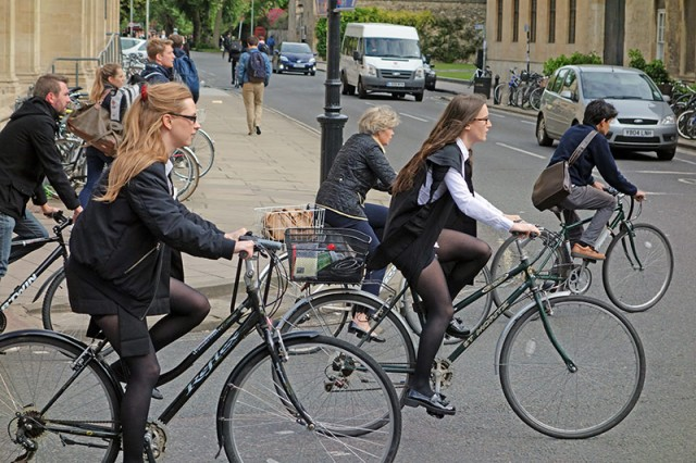 cyclists-800