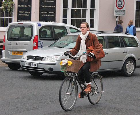 basket-cyclist