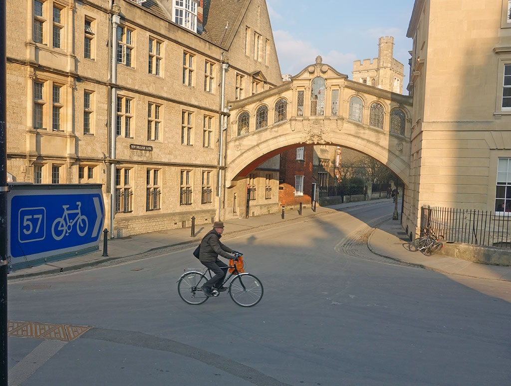 cycling-bridge-of-sighs