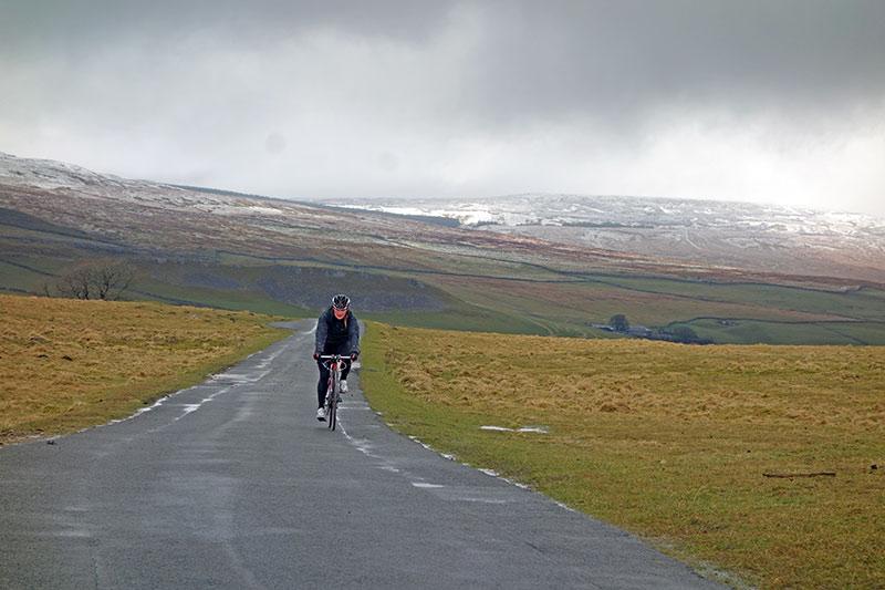 rider-arncliffe-snow-800