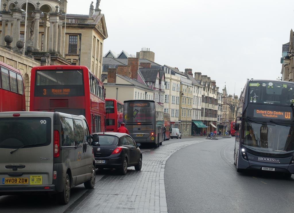 bus-cyclist
