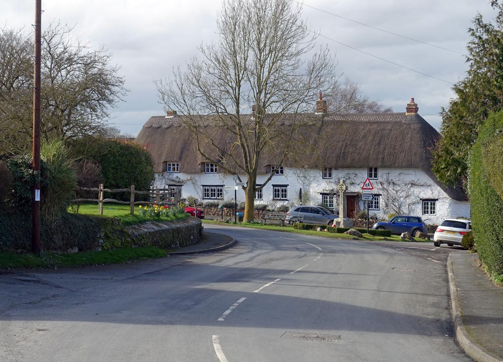 ashbury-village-road