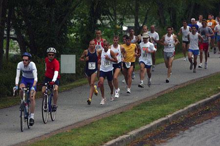 -lead-cyclist-marathon
